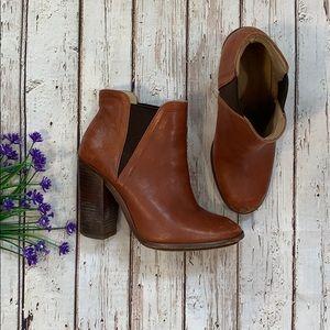 Zara leather heel bootie size 8